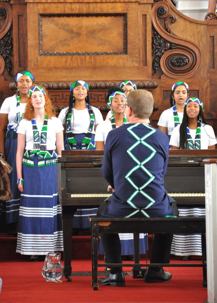 Ralf Schmitt and Roedean Girls Choir